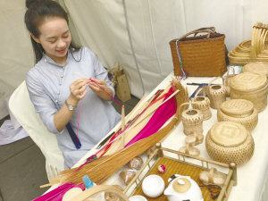 SW China Fair Presents Eco-friendly Woven Handicrafts