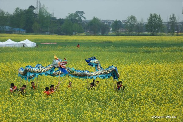 Dragon Dance Performed across China to Celebrate Er Yue Er