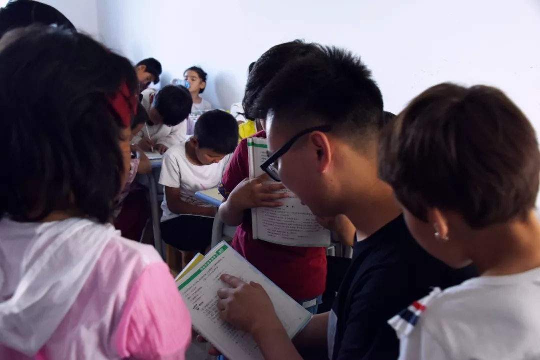 5 Arts Students Review Personal Volunteering Experience in NW China