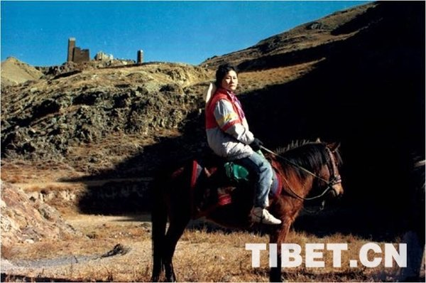 Writer Records Scientific Expedition to Qinghai-Tibetan Plateau
