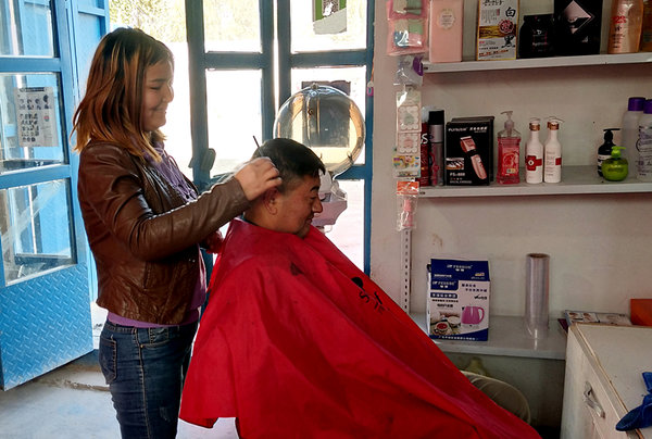 Barbershops Head New Employment Plan for Women