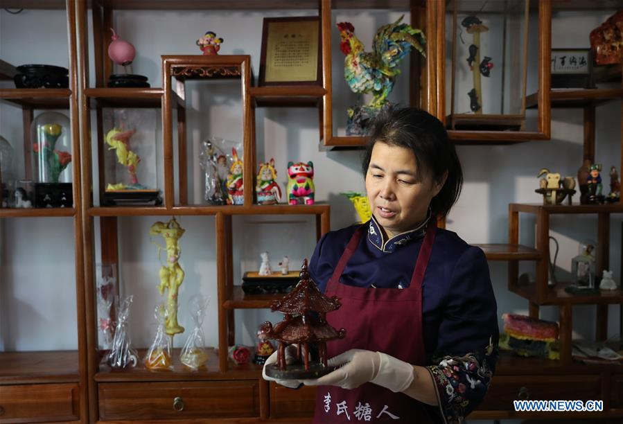 Pic Story: Fifth-generation Inheritor of Sugar Sculpture