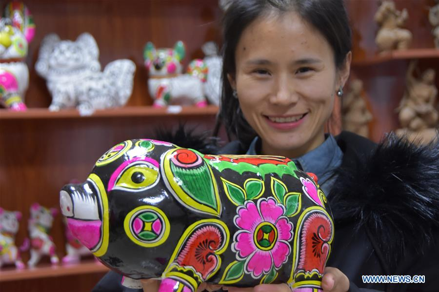 Artists in China's Shaanxi Busy Making Clay Sculptures for Upcoming Chinese Lunar New Year