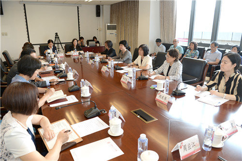 Shen Yueyue Visits Teachers at CWU and CNCC Ahead of Teacher's Day